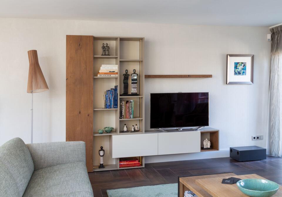tv meubel met plank en kleppen